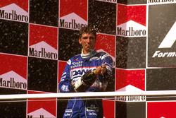 Podium: second position Damon Hill, Arrows
