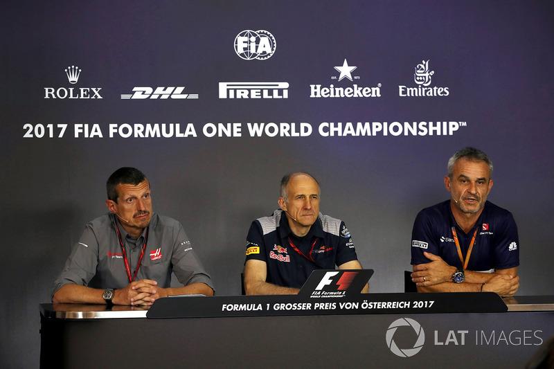 Гюнтер Штайнер, керівник Haas F1 Team, Франц Тост, керівник Scuderia Toro Rosso, Біт Цендер, менедже