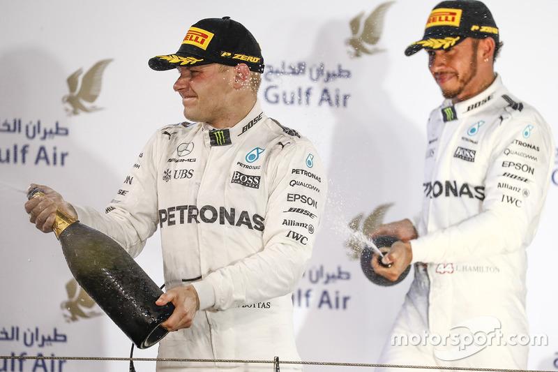 Mercedes no se baja del podio