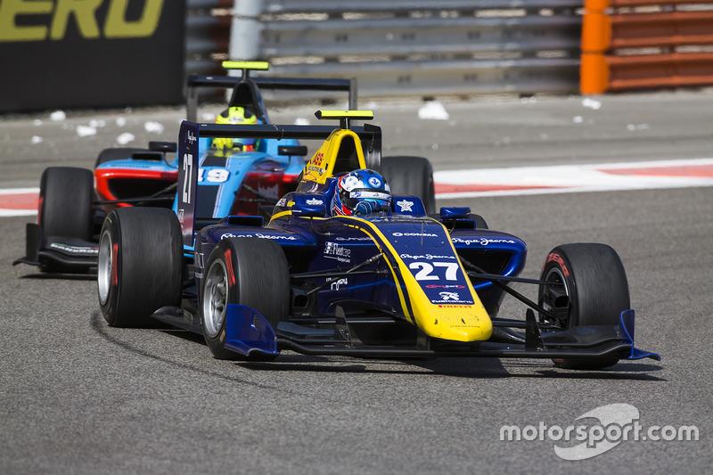Jake Hughes, DAMS leads Alessio Lorandi, Jenzer Motorsport