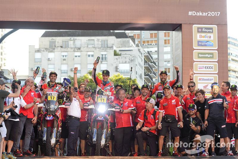 #17 Monster Energy Honda Team: Paulo Goncalves; #11 Monster Energy Honda Team: Joan Barreda