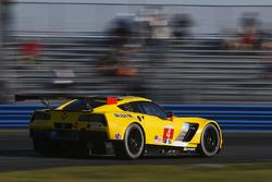 #4 Corvette Racing Chevrolet Corvette C7.R: Олівер Гевін, Томмі Мілнер, Марсель Фесслер