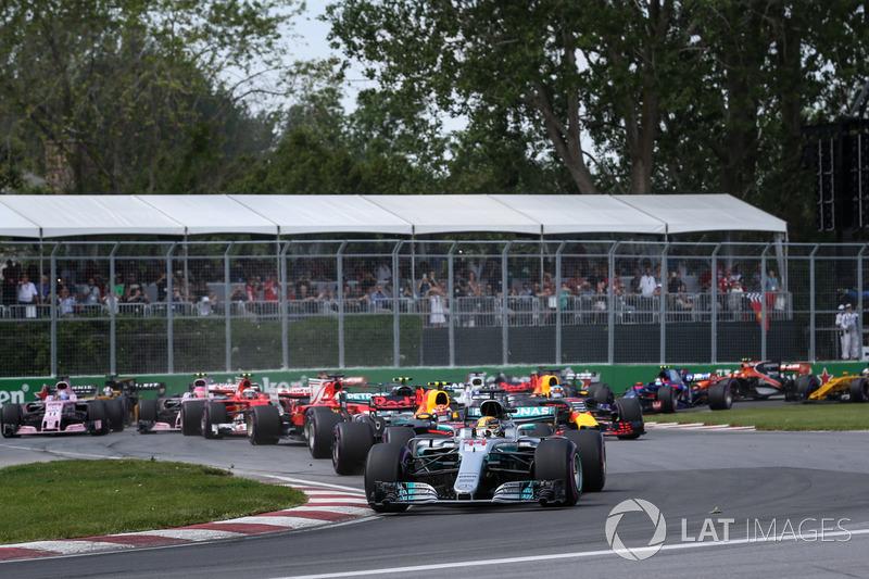 Льюіс Хемілтон, Mercedes-Benz F1 W08, на старті гонки