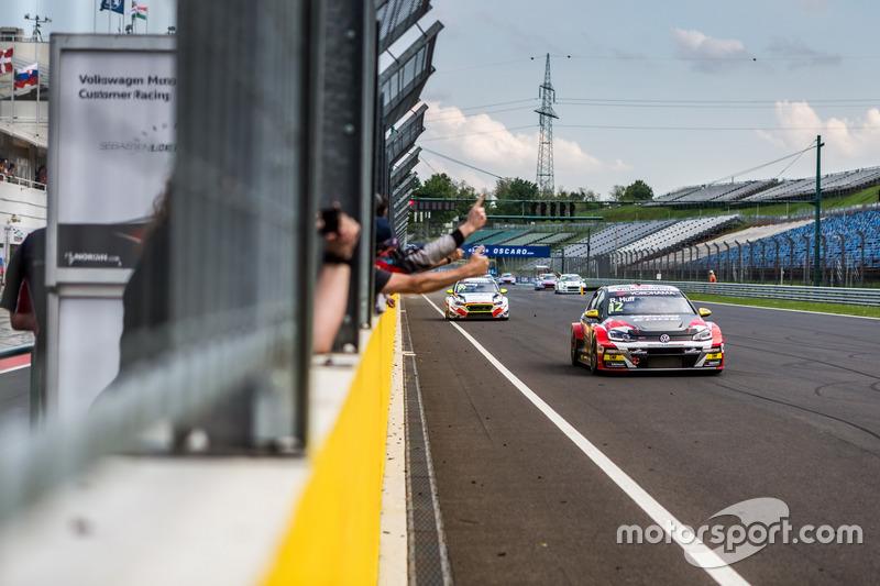 Ganador, Rob Huff, Sébastien Loeb Racing Volkswagen Golf GTI TCR