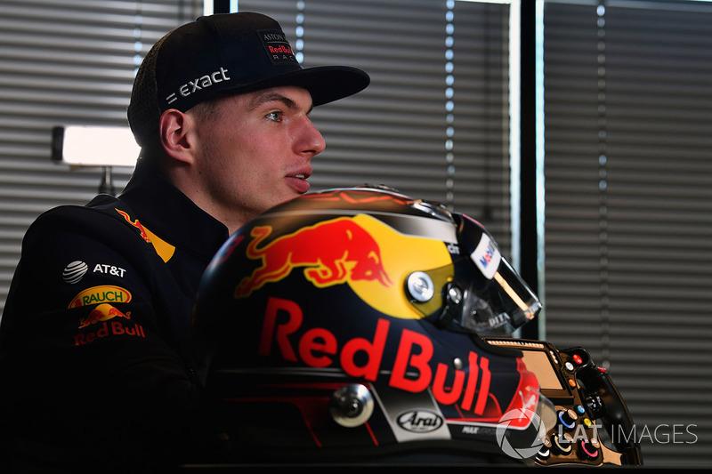 Max Verstappen, Red Bull Racing ve kaskı