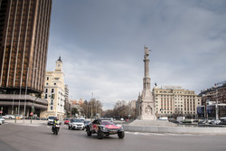 Carlos Sainz, Lucas Cruz, Peugeot Sport in the streets of Madrid