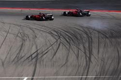 Sebastian Vettel, Ferrari SF70H e Kimi Raikkonen, Ferrari SF70H