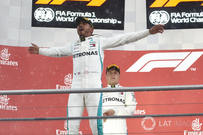 Podium: Race winner Lewis Hamilton, Mercedes AMG F1, second place Valtteri Bottas, Mercedes AMG F1