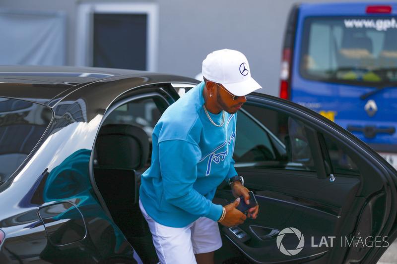 Nesta quinta-feira (19) foi anunciado que Lewis Hamilton permanecerá na Mercedes até o término da temporada 2020.