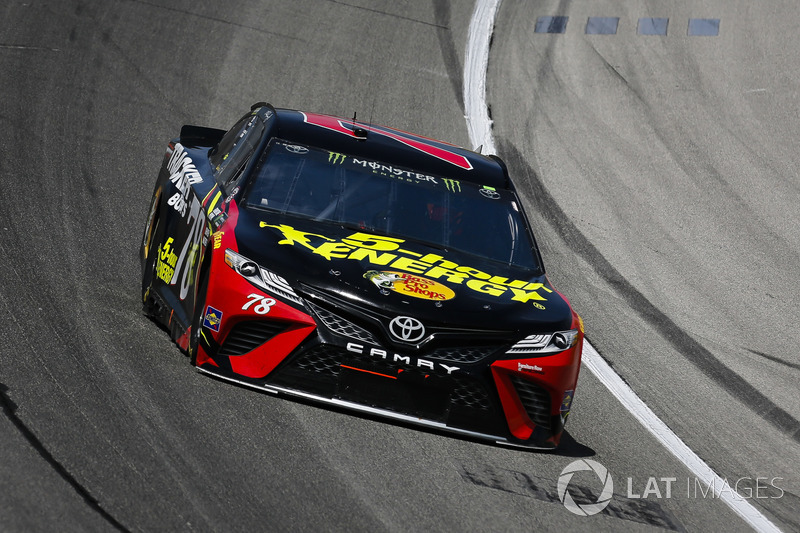Martin Truex Jr., Furniture Row Racing, Toyota Camry 5-hour ENERGY/Bass Pro Shops e Joey Logano, Team Penske, Ford Fusion Shell Pennzoil