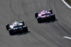 Lance Stroll, Williams FW41 y Sergio Pérez, Force India VJM11