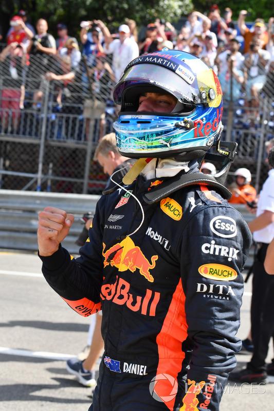 Pole sitter Daniel Ricciardo, Red Bull Racing celebrates in parc ferme