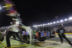 Brandon Jones, Kyle Busch Motorsports, Toyota Tundra Mobil 1, makes a pit stop