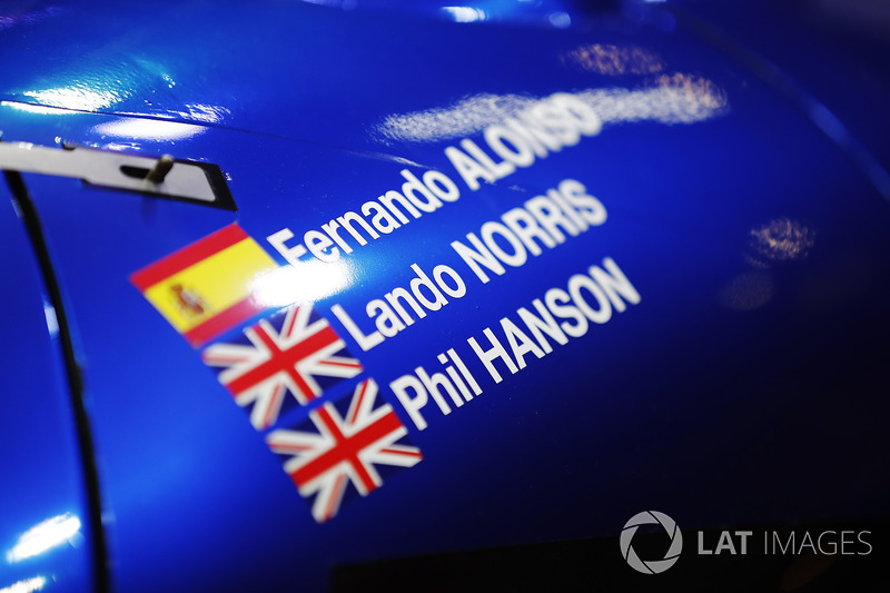 The names of Fernando Alonso, Lando Norris and Phil Hanson on a United Autosports sportscar