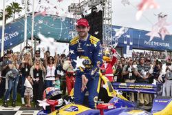 Alexander Rossi, Andretti Autosport Honda celebrates in victory lane
