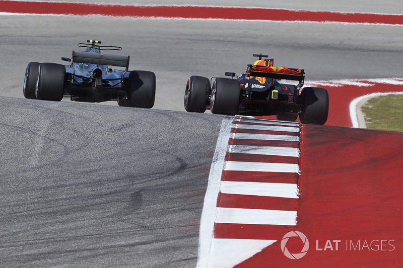 Даніель Ріккардо, Red Bull Racing RB13, Валттері Боттас, Mercedes AMG F1 W08