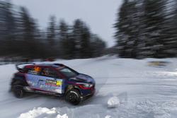 Яри Хуттунен и Антти Линнакето, Hyundai i20 R5, Hyundai Motorsport