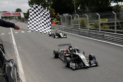Sieg für Joel Eriksson, Motopark Dallara F317 - Volkswagen