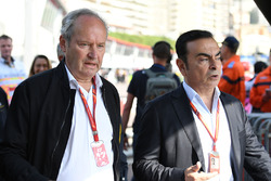 Jerome Stoll, Director of Renault Sport F1 and Carlos Ghosn, Chairman of Renault