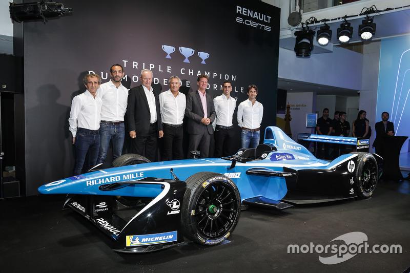 Sebastien Buemi,  Nicolas Prost, Renault eDAMS con Alain Prost, Jean-Paul Driot, Cyril Abiteboul y  Jérome Stoll, Renault