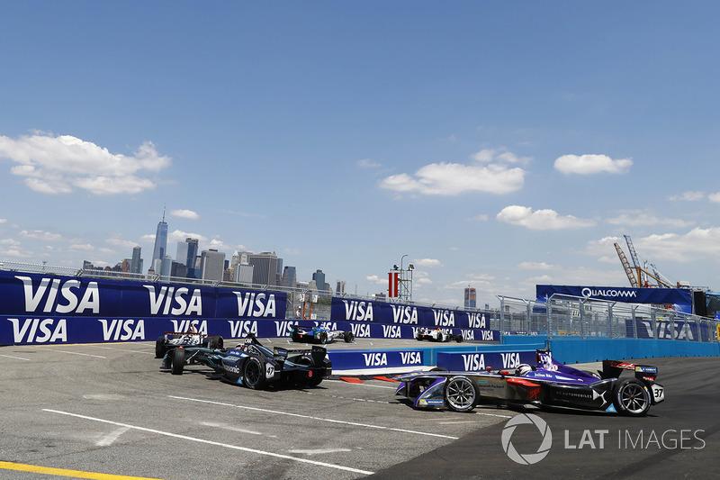Adam Carroll, Jaguar Racing, Alex Lynn, DS Virgin Racing
