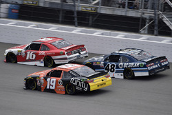 Райан Рид, Roush Fenway Racing Ford, Мэтт Тиффт, Joe Gibbs Racing Toyota и Бреннан Пул, Chip Ganassi Racing Chevrolet
