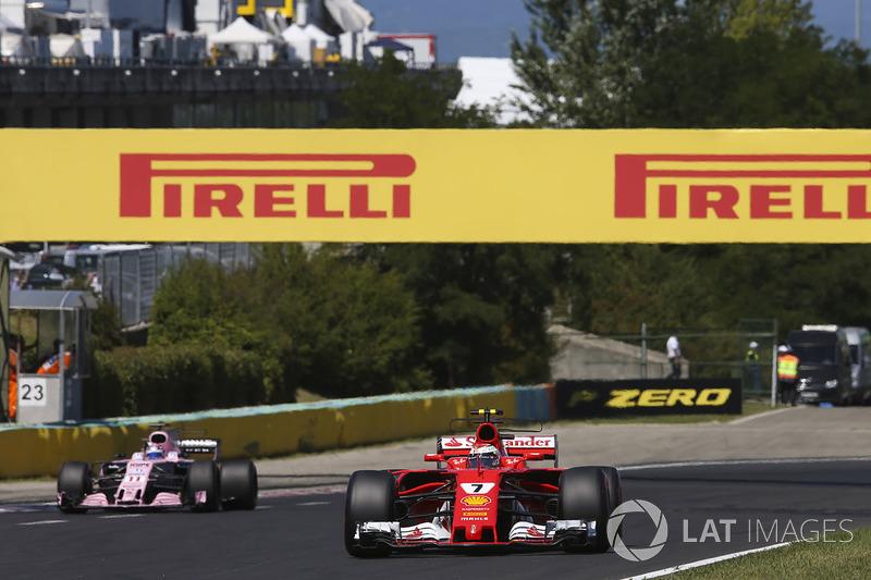 Kimi Raikkonen, Ferrari SF70H, Sergio Perez, Sahara Force India F1 VJM10