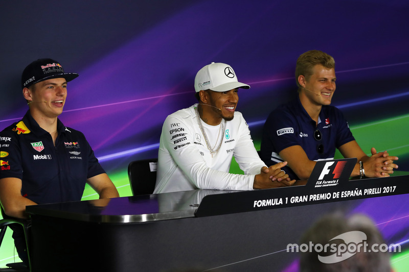 Max Verstappen, Red Bull Racing, Lewis Hamilton, Mercedes AMG F1 and Marcus Ericsson, Sauber in the