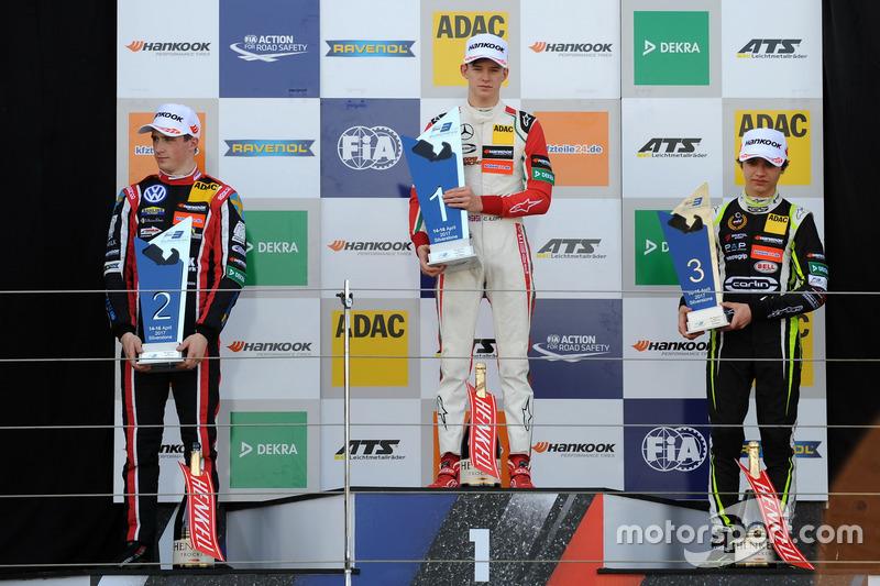 Podium: Race winner Callum Ilott, Prema Powerteam, Dallara F317 - Mercedes-Benz, second place Joel Eriksson, Motopark, Dallara F317 - Volkswagen, third place Lando Norris, Carlin, Dallara F317 – Volkswagen
