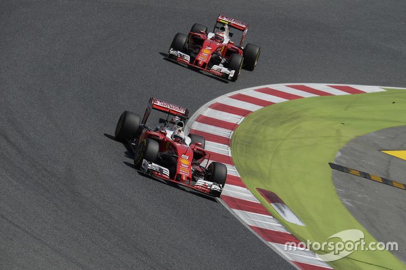 Себастьян Феттель, Ferrari SF16-H попереду напарника Кімі Райкконена, Ferrari SF16-H