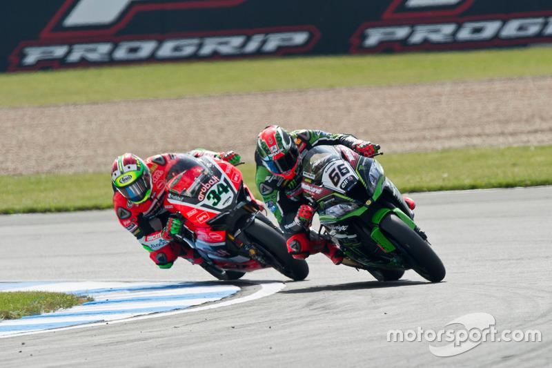 Tom Sykes, Kawasaki Racing Team, und Davide Giugliano, Aruba.it Racing - Ducati Team