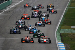 Start: Lando Norris, Josef Kaufmann Racing leads