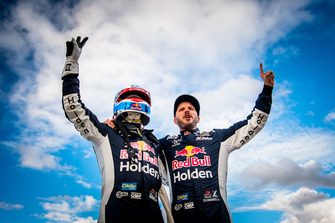 Race winners Jamie Whincup, Paul Dumbrell, Triple Eight Race Engineering Holden