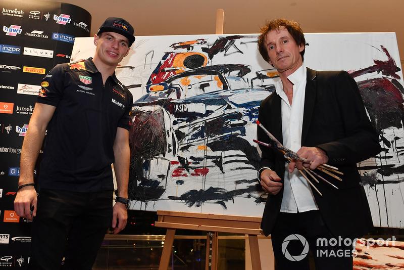 Гран Прі Абу-Дабі: Макс картина Red Bull Racing для благодійного аукціону Wish Foundation Charity Auction