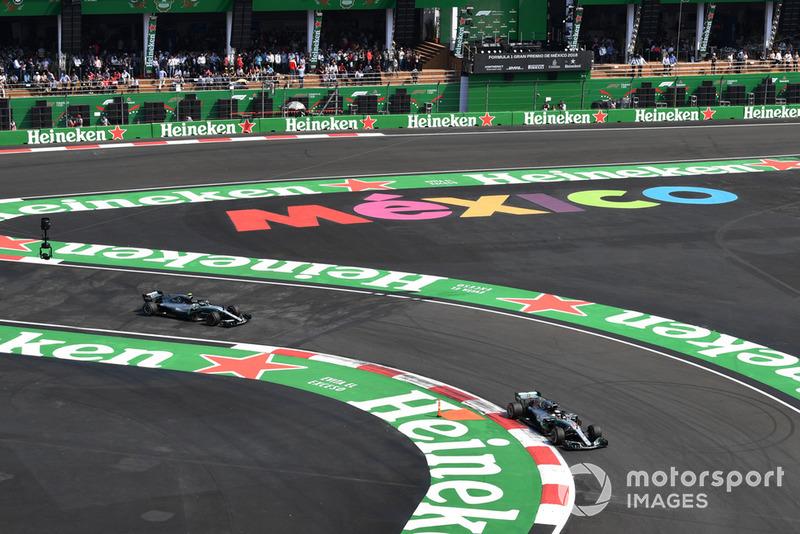 Lewis Hamilton, Mercedes-AMG F1 W09 EQ Power+ et Valtteri Bottas, Mercedes-AMG F1 W09 EQ Power+