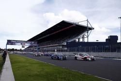 Start: Giacomo Altoè, M1RA, Honda Civic TCR, Stefano Comini, Comtoyou Racing, Audi RS3 LMS