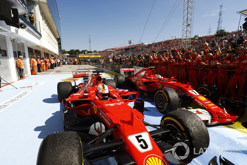 Sebastian Vettel, Ferrari SF70H, Kimi Raikkonen, Ferrari SF70H,
