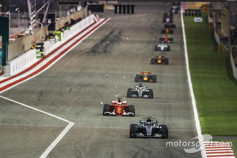 Valtteri Bottas, Mercedes F1 W08, Sebastian Vettel, Ferrari SF70H, Lewis Hamilton, Mercedes F1 W08,Max Verstappen, Red Bull Racing RB13