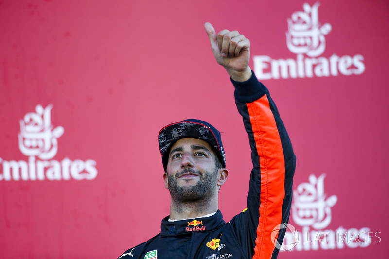 Third place Daniel Ricciardo, Red Bull Racing, en el podio