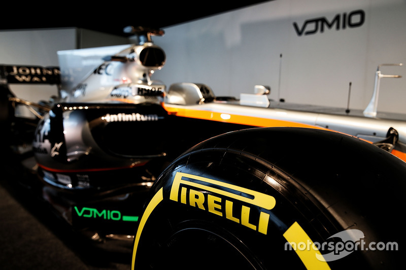 Sahara Force India F1 VJM10 - Pirelli tyre