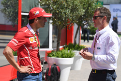 Тест-пилот Ferrari Марк Жене и стюард FIA Том Кристенсен