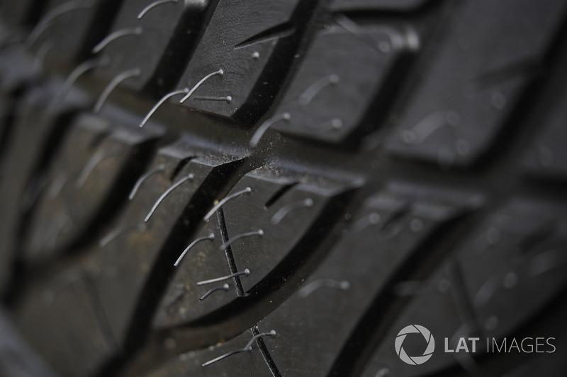 Neumático de lluvia de Firestone