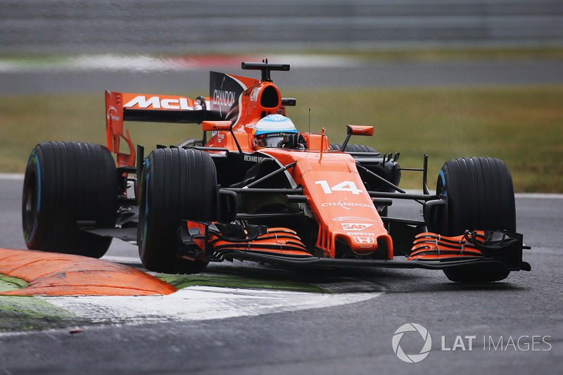 15. Фернандо Алонсо, McLaren MCL32 -10