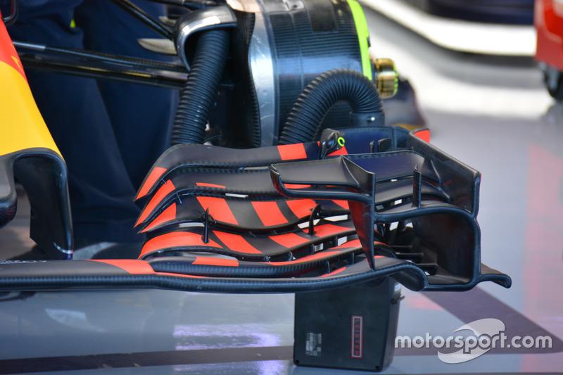 Red Bull Racing RB12, dettaglio dell'ala anteriore