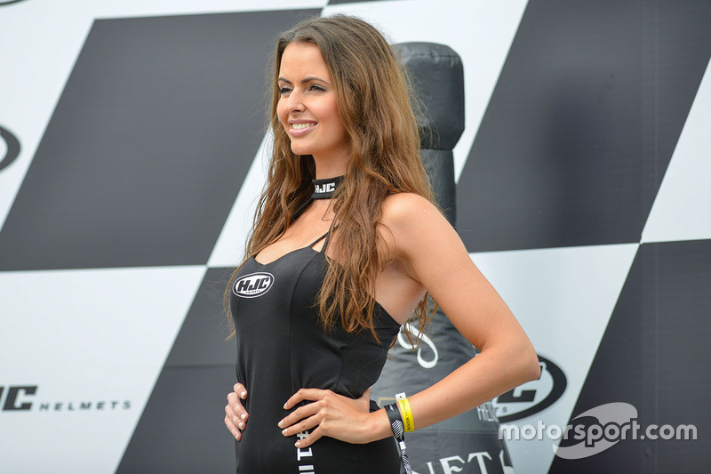 Grid girl sul podium