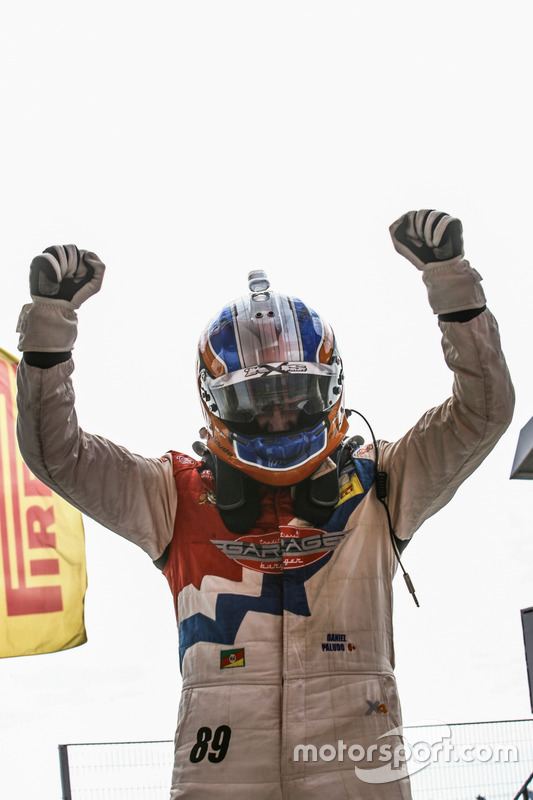Daniel Paludo comemora vitória na Challenge
