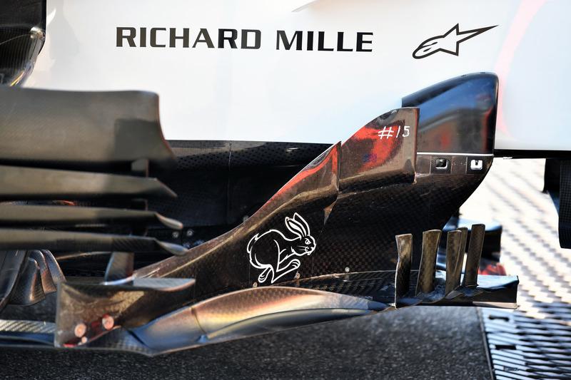 Haas F1 Team VF-18 detalle de la barcaza
