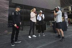 Valtteri Bottas, Mercedes AMG F1, Lewis Hamilton, Mercedes AMG F1, on stage