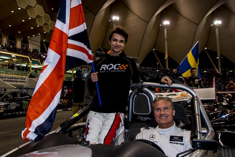 Lando Norris y David Coulthard del equipo Gran Bretaña