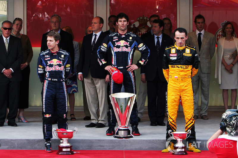 Podio: il vincitore della gara Mark Webber, Red Bull Racing, il secondo classificato Sebastian Vettel. Red Bull Racing, il terzo classificato Robert Kubica, Renault